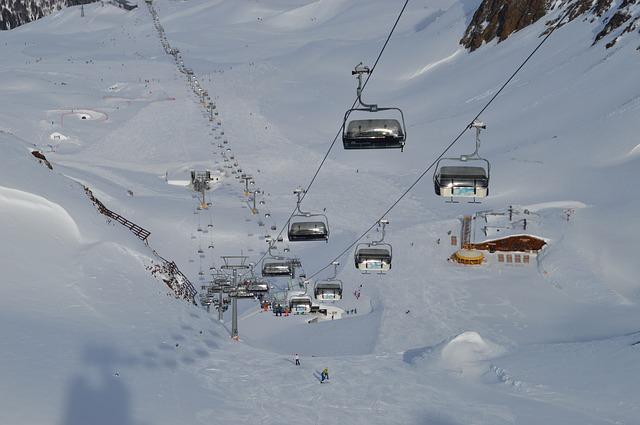snow-3200527_640