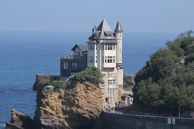biarritz-3247556_640